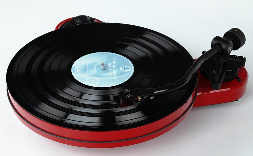 pro-ject_rpm1_carbom_02.jpg